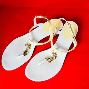 Gucci Shoes - GUCCI Patent Leather Off white yellow Chain Sandal